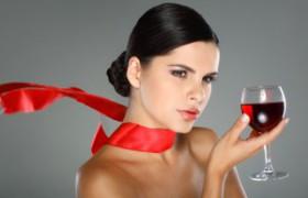 Вино укрепляет женские кости