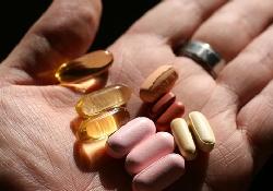 Прием витаминов не остановит болезнь Альцгеймера