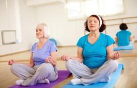 Йога стимулирует интеллект пожилых людей