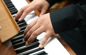 Игра на музыкальных инструментах активирует деятельность мозга