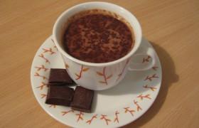 Ученые: горячий шоколад омолаживает клетки мозга