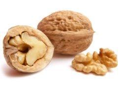 Орехи – мощное оружие в борьбе против старческого маразма