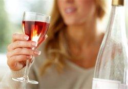 Пара рюмок, выпитых каждый день после работы, могут привести к инсульту