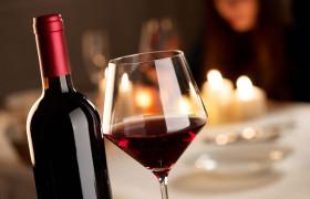 Для сохранения памяти ученые советуют пить красное вино и есть арахис