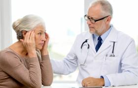 Половина больных Альцгеймером не знают о диагнозе