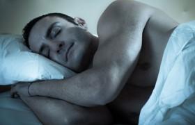 Ученые: сон больше 8 часов в день повышает риск инсульта