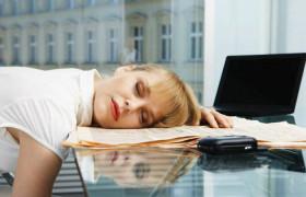 Ученые объяснили связь между хронической усталостью и снижением интеллекта