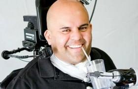 Врачи установили парализованному пациенту мозговой имплантат