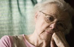 Одиночество связано с повышенным риском развития деменции