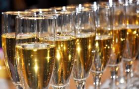 Шампанское предупреждает развитие слабоумия — ученые