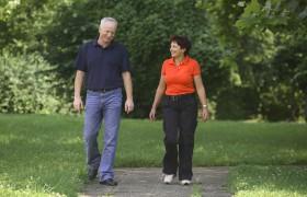 Трёхчасовые прогулки раз в неделю уберегут от инсульта