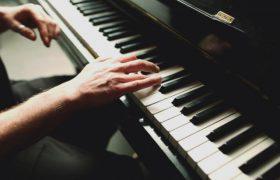 Игра на музыкальных инструментах улучшает работу мозга