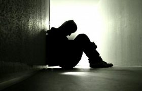Чувство одиночества может быть предвестником деменции