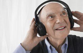 Напевая, пациенты после инсульта смогут восстановить речь