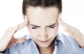 Медики назвали способ снизить риск появления мигрени летом