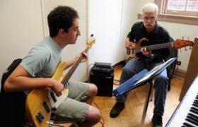 Занятия музыкой положительно влияют на развитие головного мозга
