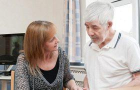 Старческое слабоумие передается через кровь