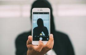 Учёные признали любовь к селфи психическим заболеванием
