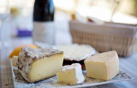Любители сыра получают защиту от инсультов