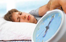 Тем, кого сильно клонит в сон днем, может грозить старческое слабоумие