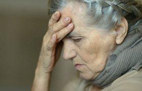 Названы типичные симптомы начала слабоумия