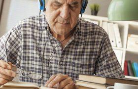 Ученые узнали, почему с возрастом людям труднее концентрироваться