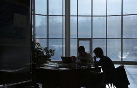 Как тусклые офисы «отключают» мозг