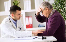 Минздрав открывает кабинеты для людей с деменцией
