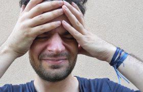 У большинства людей с мигренью имеется дефицит витаминов