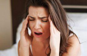 Почему болит голова утром: самые распространенные причины