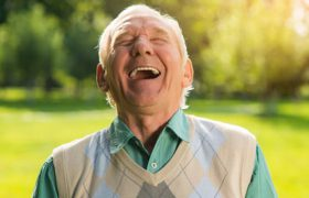 Мозг людей, которые чувствуют себя моложе своего возрасте, стареет медленнее