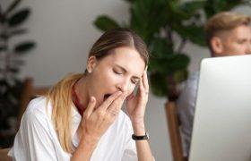 Дневная сонливость может указывать на риск развития болезни Альцгеймера