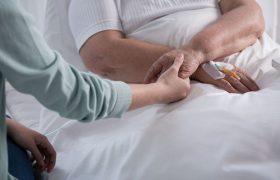 Слабоумие и инсульт грозят каждой второй женщине