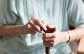 Одиночество тесно связано с повышенным риском развития деменции