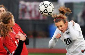Игра головой грозит футболистам потерей памяти