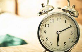 Чем может быть опасен для здоровья сезонный перевод часов?