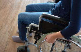 Врачи научились бороться с рассеянным склерозом