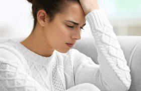Мигрень может вызывать осложнения во время беременности