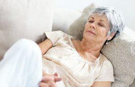 Потребность в дневном сне может быть ранним признаком болезни Альцгеймера