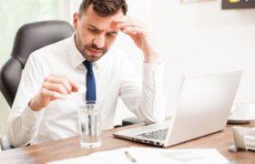 «Снижает функции мозга». Ученые изучили влияние похмелья