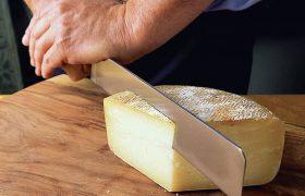 Сыр уменьшает вред съедаемой соли и может защищать от атеросклероза
