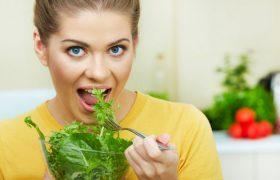 Специалисты объяснили, как употребление салатов связано с инсультом