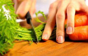 Морковь и чай: простые продукты дают защиту от болезни Альцгеймера