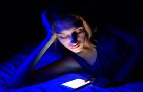 Смартфоны могут ускорять наступление старения и смерти