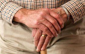 Эксперты назвали ранние признаки деменции