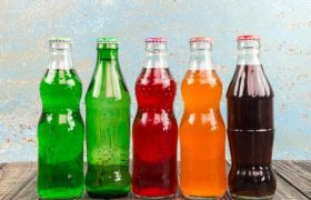 Опасные для мозга напитки: чем вредят чаи и бульоны?