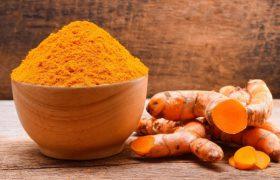 Куркумин предотвращает накопление жира в печени и улучшает работу мозга