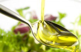 Ученые определили масло, 4 ложки которого прочистят артерии