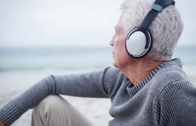Прослушивание музыки и игра на музыкальных инструментах помогают пережившим инсульт