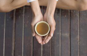 Улучшите работу мозга с помощью ежедневной чашки зеленого чая
